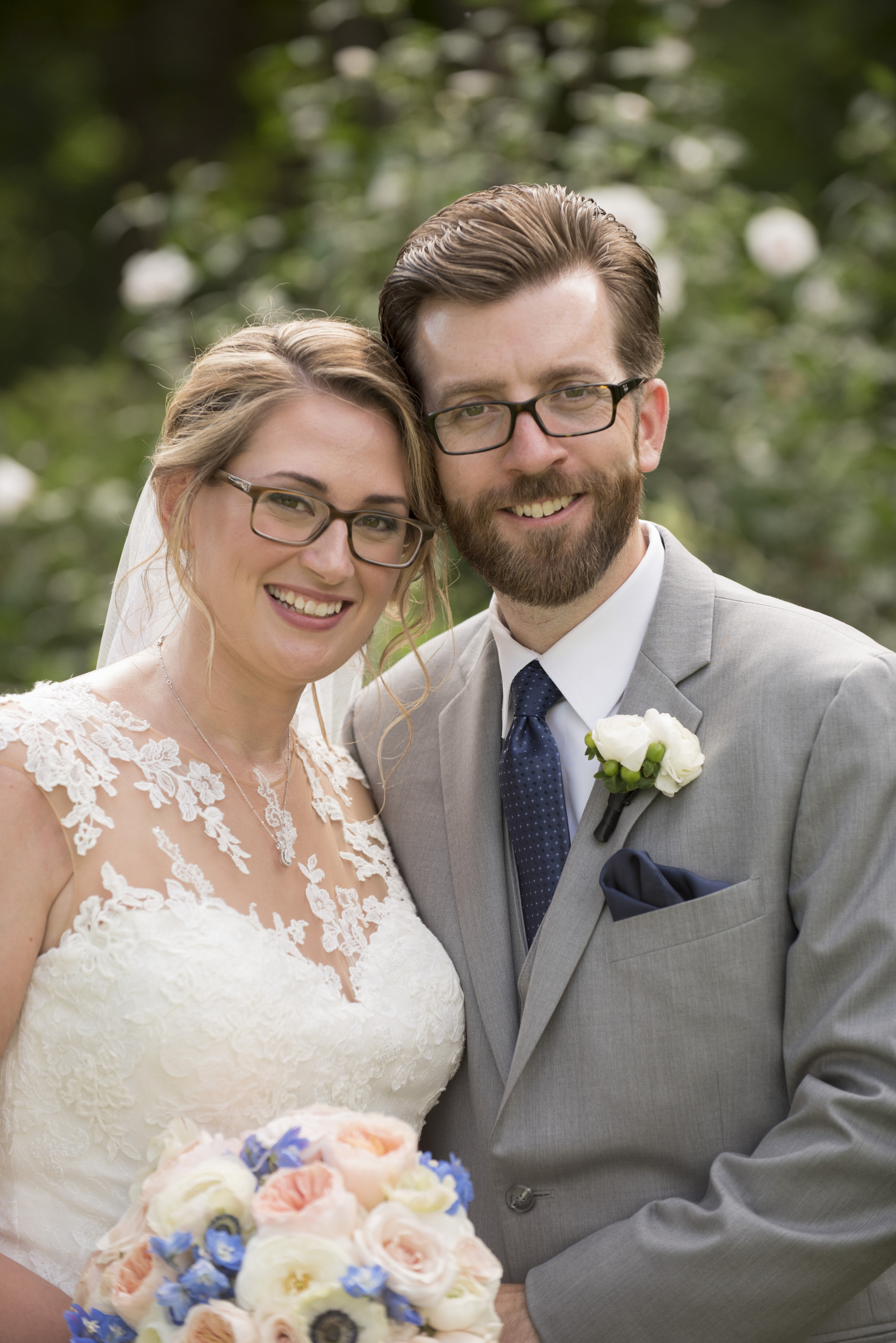 Bridal makeup for glasses wearers